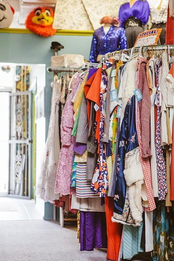 Orlando Vintage Clothing and Costumes - HANNAH GLOGOWER