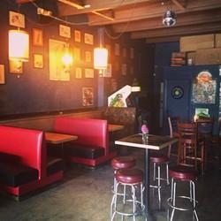 sayonara-pool-tables-at-wills-pub-hello-comfy-seating-during-showsjpg