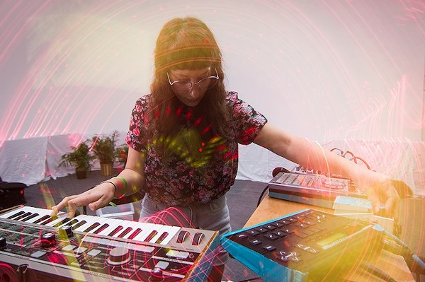 See more photos of Emily Reo's set and other awesome Total Bummer photos here.