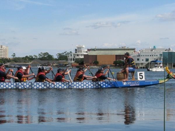 10-13-sel-dragon-boat3jpg