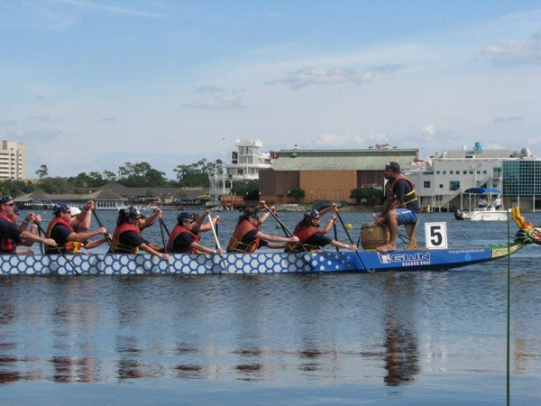 10-13-sel-dragon-boat3jpg
