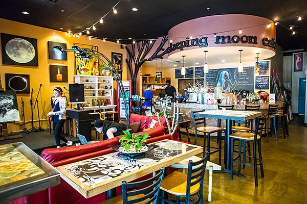 Sleeping Moon Café