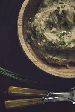 The lovely Phi of food blog Princess Tofu created these smoked mashed potatoes, but they are decidedly not vegan.