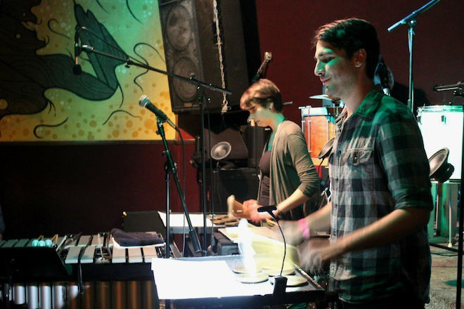 "Kaylee Bonatakis and Matt Roberts performing Tristan Perich's ""Observations"" - ASHLEY BELANGER"