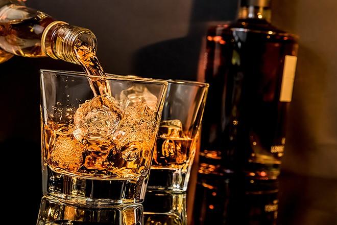 gal_whiskey_biz_shutterstock_305399930.jpg