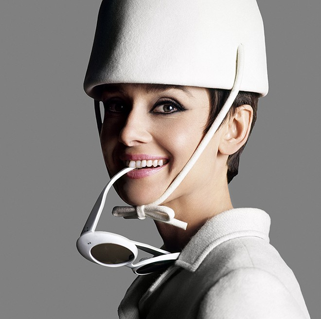 Audrey Hepburn, Paris 1965 - DOUGLAS KIRKLAND