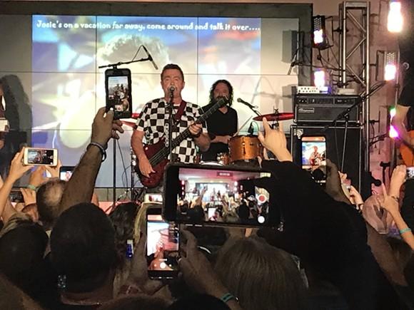 Tony Lewis at the Velvet Sessions - BAO LE-HUU