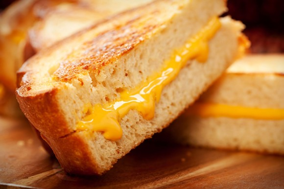 grilled_cheese_adobestock_28965826.jpeg