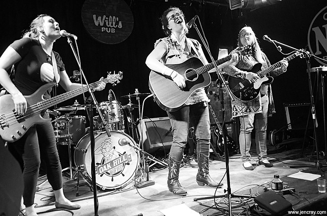 Renee Arozqueta, Gailanne Amundsen and Amy Robbins at Will's Pub - JEN CRAY