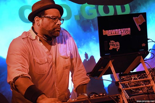DJ Old.God at Will's Pub - JEN CRAY