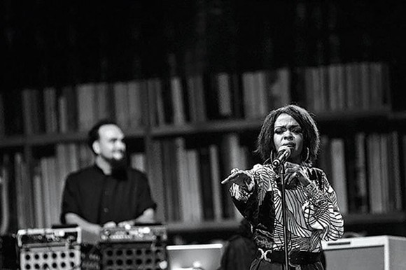 Ms. Lauryn Hill with DiViNCi