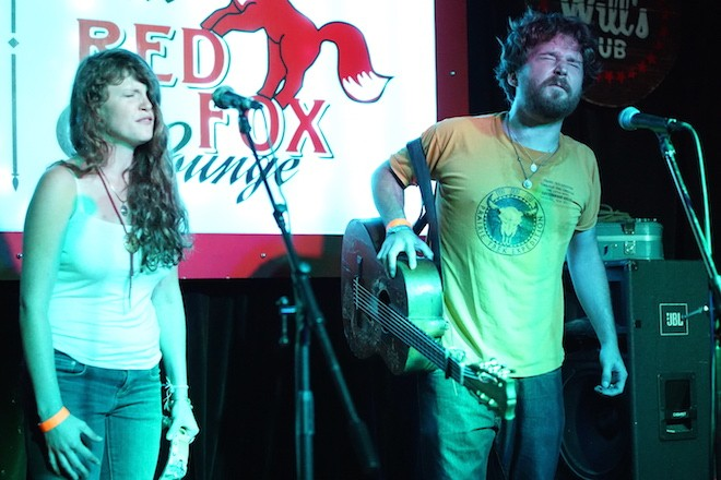 Christopher Paul Stelling and Julia Christgau at Will's Pub - TIPSO PHOTO