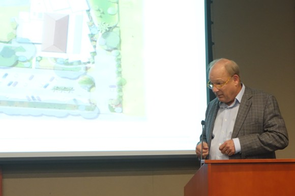 Philip Tiedtke addresses the Maitland Planning & Zoning Commission
