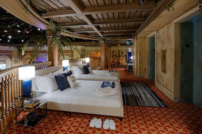 The NYC Madame Tussauds Booking.com suite - PHOTO VIA BOOKING.COM