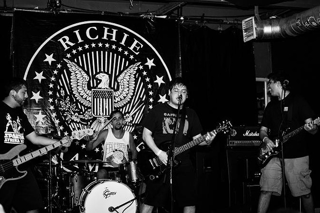 Abandon the Midwest at Will's Pub - SIERRA REESE