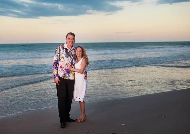 PHOTO OF ALAN AND DENA GRAYSON VIA GRAYSON'S CAMPAIGN FOR U.S. SENATE