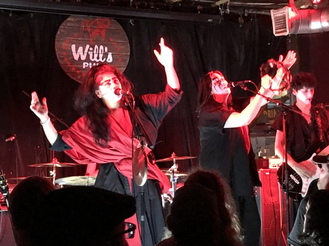 Yamantaka // Sonic Titan at Will's Pub - BAO LE-HUU