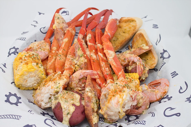 Snow crab & shrimp combo basket - PHOTO VIA MELBOURNE SEAFOOD STATION