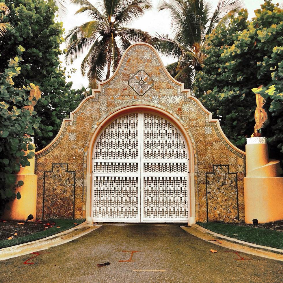 Photo via Wikimedia/Creative Commons - MAR-A-LAGO ESTATE GATE IN PALM BEACH, FLORIDA