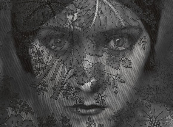 "EDWARD STEICHEN, ""GLORIA SWANSON,"" (1924). GELATIN SILVER PRINT, 9 7/16 X 7 1/2 INCHES. LENT BY THE METROPOLITAN MUSEUM OF ART, GIFT OF GRACE M. MAYER, 1989. © 2019 THE ESTATE OF EDWARD STEICHEN/ARTISTS RIGHTS SOCIETY, NEW YORK. PHOTO: ART RESOURCE"