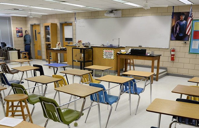 LAKE HOWELL HIGH SCHOOL CLASSROOM PHOTO BY STEEVVEN1/WIKIMEDIA COMMONS