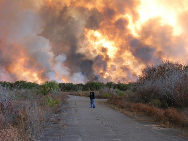 Brush fire in Palm Bay, Florida - PHOTO BY TUER J./WIKIMEDIA COMMONS
