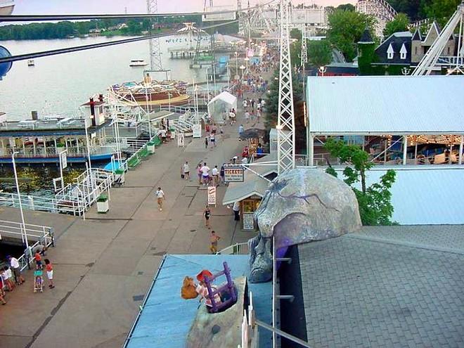 The Indiana Beach boardwalk - IMAGE VIA INDIANABEACH26   TWITTER
