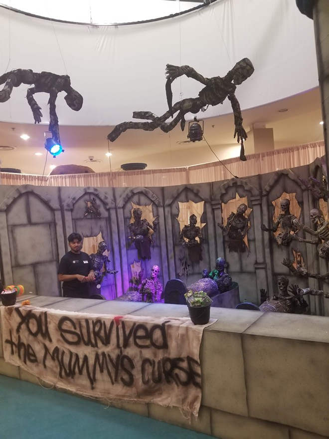The 2018 Terror at the Inn family Halloween event at the Holiday Inn Suites & Waterpark - IMAGE VIA KEN STORY