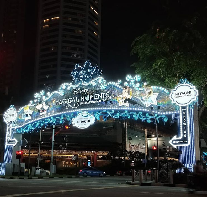Disney Magical Moments at Singapore's Orchard Road - IMAGE VIA KARENHKTAN | INSTAGRAM