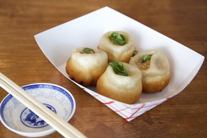 Sheng jian bao (pan-fried pork bun) - PHOTO BY ROB BARTLETT