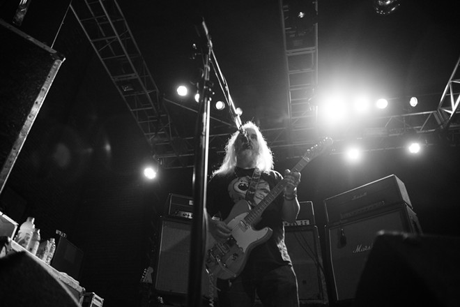 Dinosaur Jr. at the Beacham - LIV JONSE