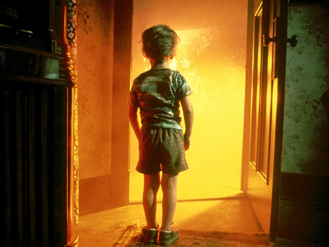 close-encounters-of-the-third-kind-review.jpg