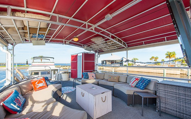 top_deck_lounging_area_with_tv.jpg