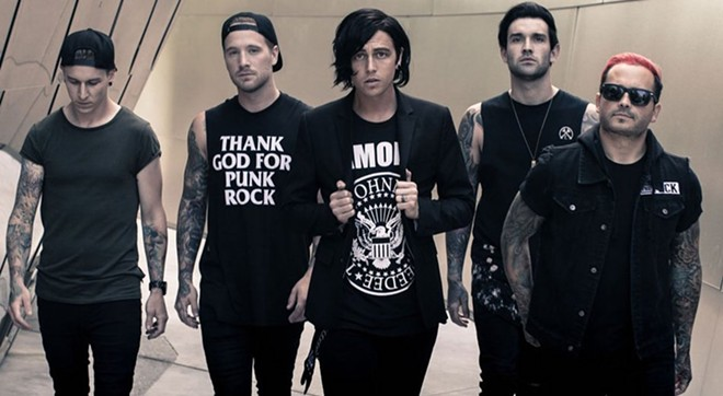 PHOTO VIA SLEEPING WITH SIRENS/TWITTER