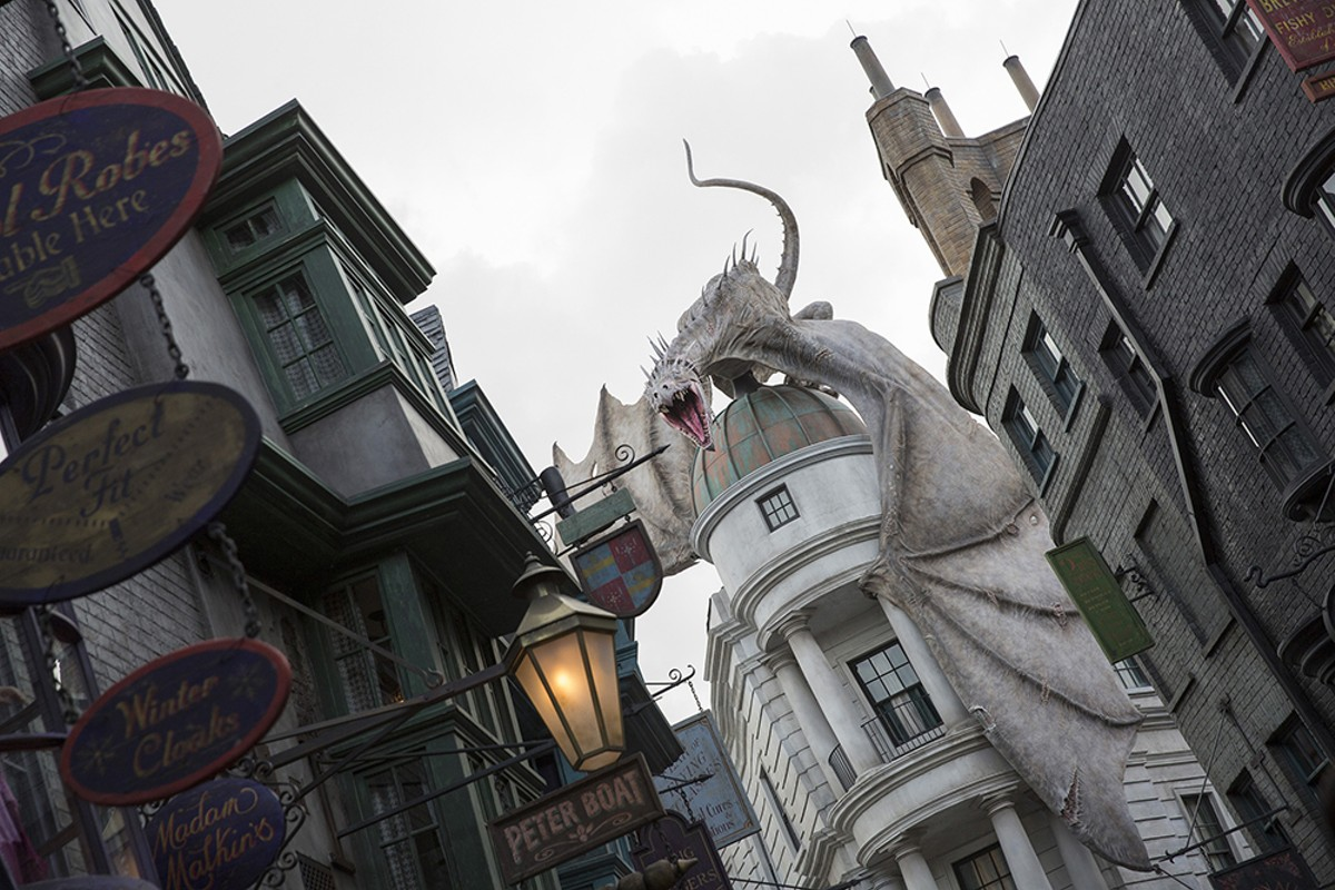 1000w_05_diagon_alley.jpg