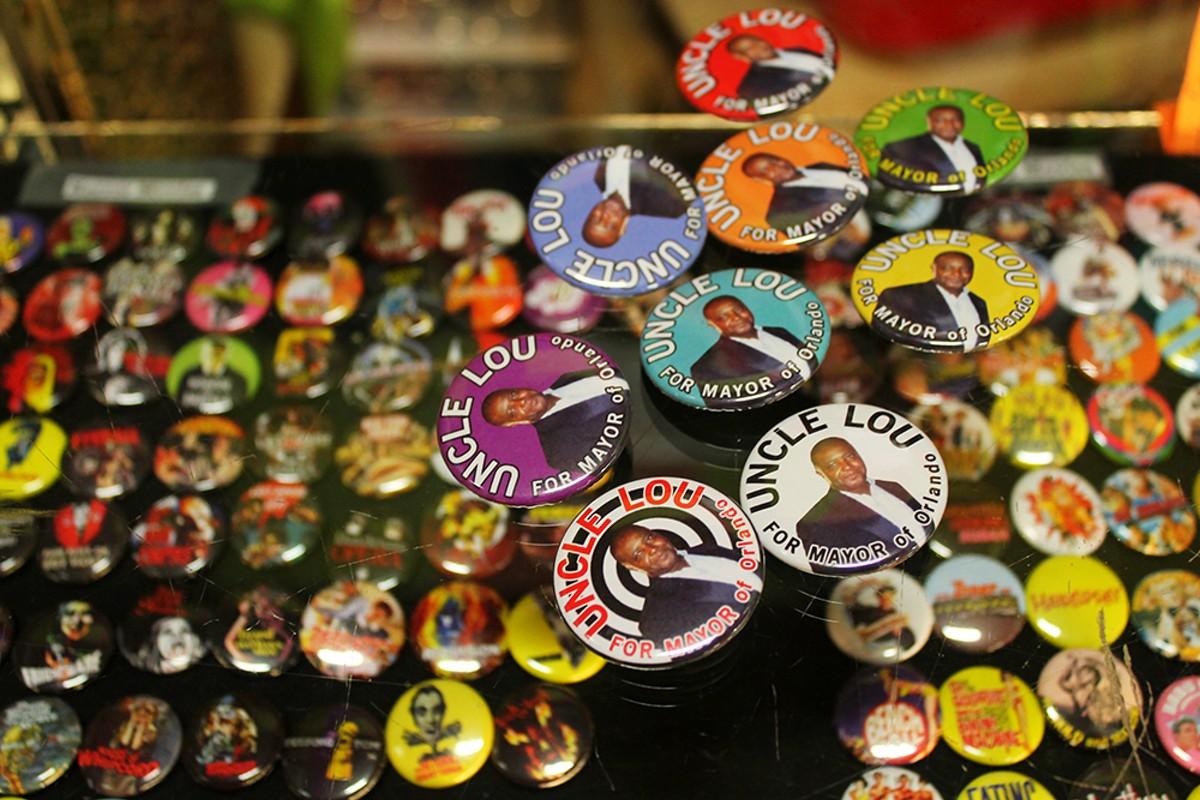 Kick Bright Button Shop buttons
