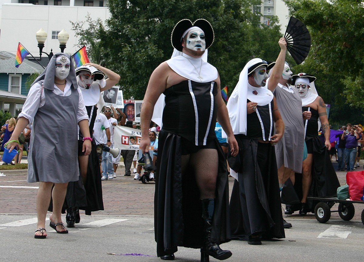 sisters_of_perpetual_indulgence_at_cowp_parade_credit_jeff_kern.jpg