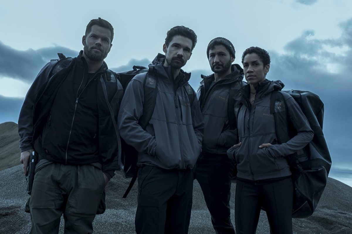Dominique Tipper, Cas Anvar, Wes Chatham and Steven Strait in The Expanse