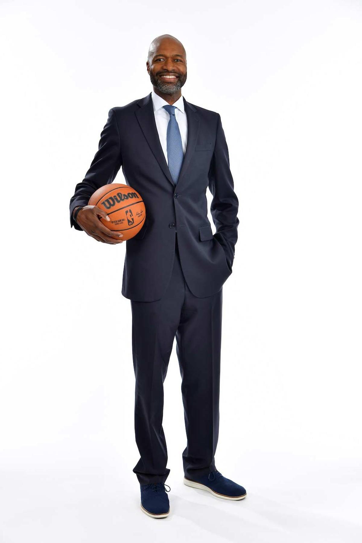 Coach Jamahl Mosley