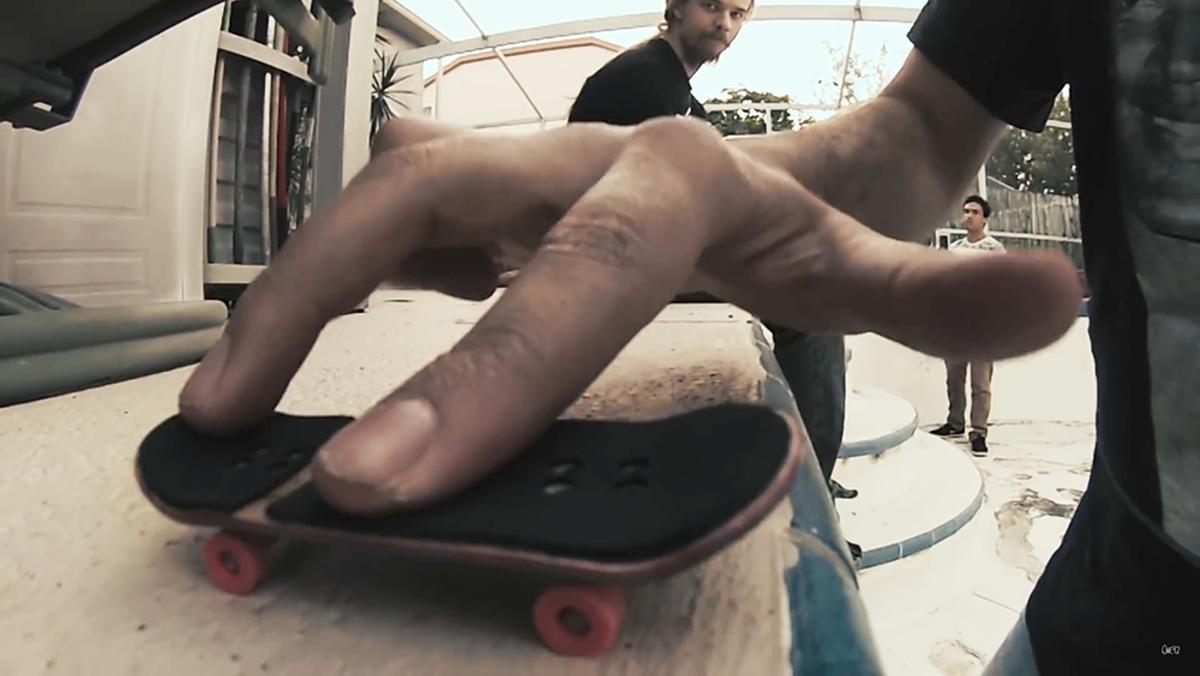 fingerboarding_guy_cw_screengrab.png