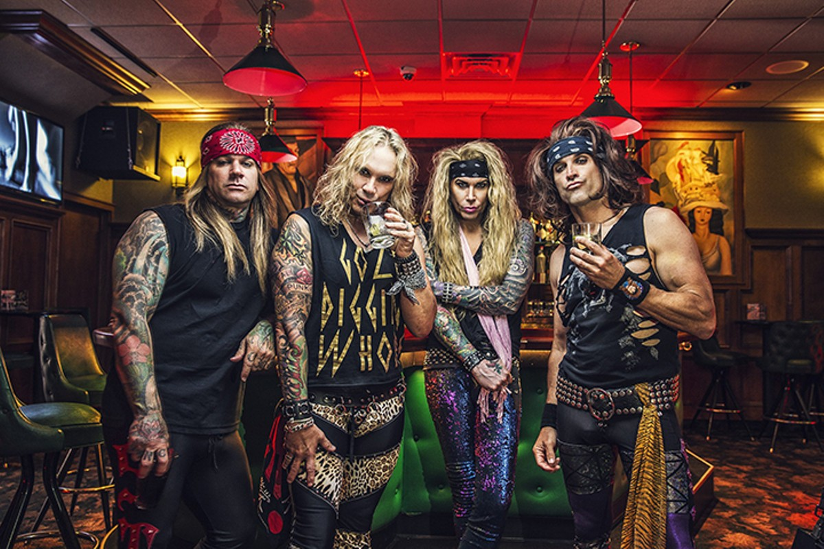 gal_front_steel_panther_bar_1_photo_by_david_jackson_.jpg
