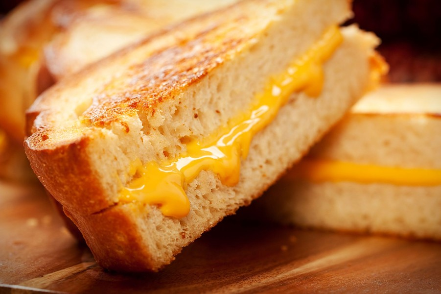 grilled_cheese_adobestock_28965826.jpeg