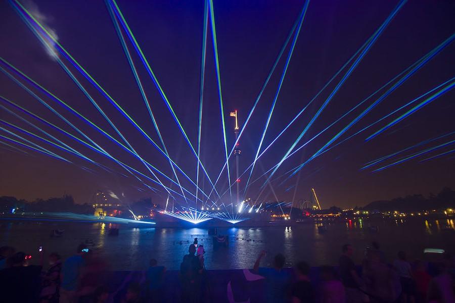SaWorld Electric Ocean light show - PHOTO VIA SEAWORLD