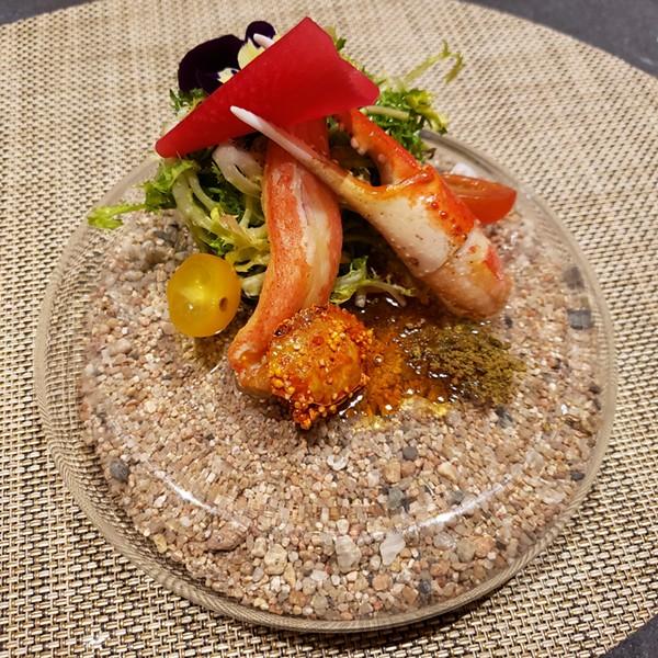 Ponzu snow crab, toasted tamagogani (dried crab), umeshu reduction, watermelon radish tsukemono, sesame pollen, leek gel, frisee, heirloom tomato - FAIYAZ KARA