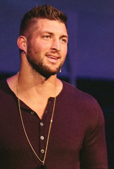 Steve Spurrier wants Tim Tebow to play for Orlando's new pro football team