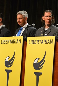 Libertarian frontrunner Gary Johnson gets boos from crowd at presidential debate (2)