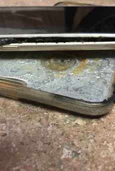 Florida woman claims her iPhone 6 burst into flames
