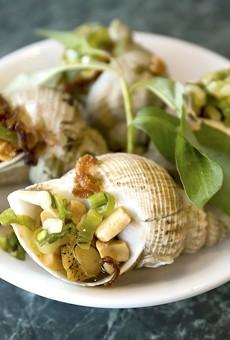 Orlando Vietnamese snail restaurant Mama Lau Va Oc will force you to slow down and savor