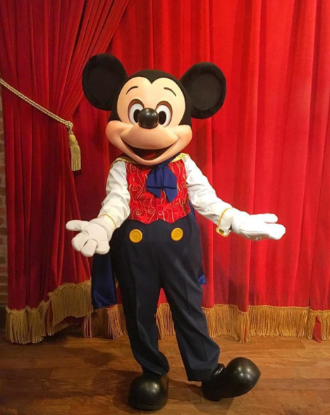 Mickey mouse might be losing his voice in orlando blogs click image image via ayakaaaaas instagram m4hsunfo