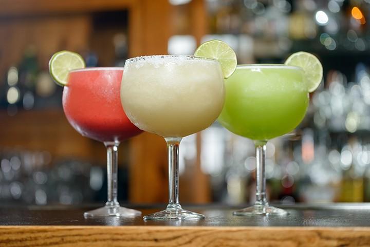 gal_drink_rumfest_adobestock_116029047.jpeg.jpg